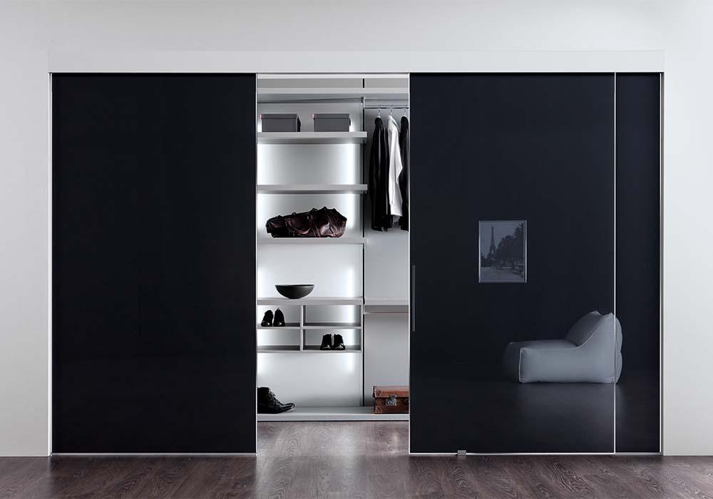 Cabine armadio a parete camere e camerette - Porte scorrevoli per cabine armadio ...