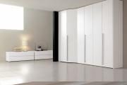 armadio battente ad angolo bianco