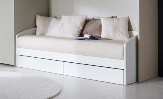 Letti con secondo letto estraibile per gli ospiti for Divano con letto estraibile