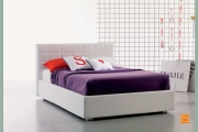 letto bianco in ecopelle
