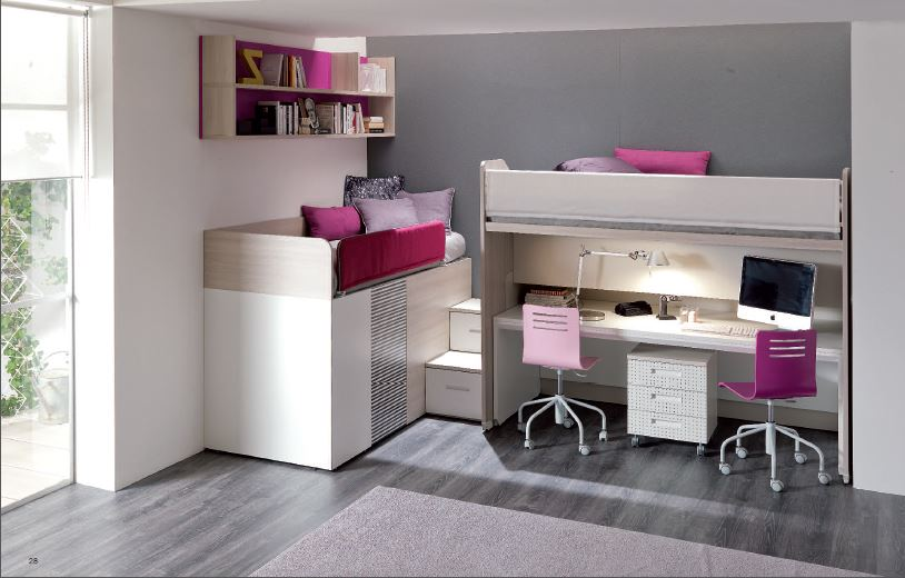 Tre letti sempre pronti con ampio guardaroba e scrivania for Cameretta a tre letti