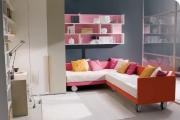 cameretta con divani letto ad angolo