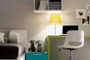 scrivania e comodino