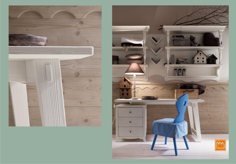 Cameretta country di scandola mobili for Camerette in legno massello