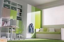 Cameretta singola: cabina, divanetto e scrivania