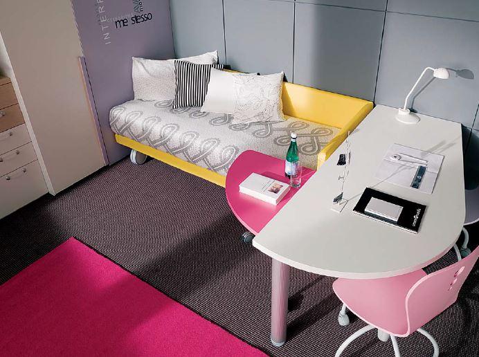 scrivania sagomate con accessorio comodino