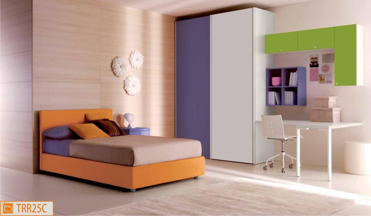 Camera singola con letto imbottito da una piazza e mezza