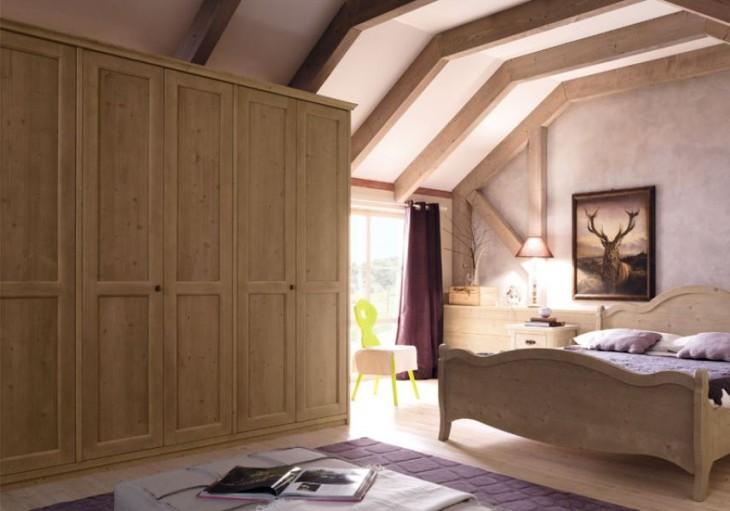 armadio in legno massiccio