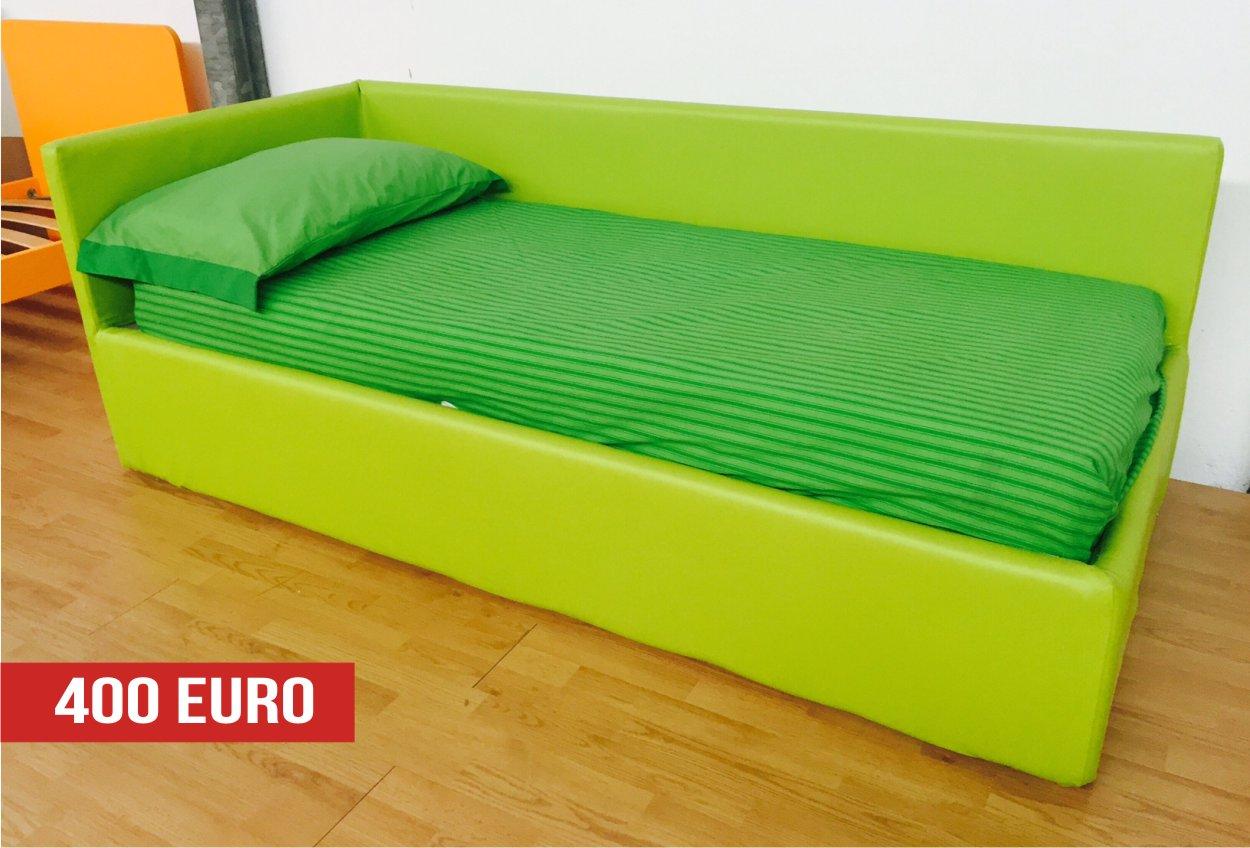 letto in ecopelle verde a divano