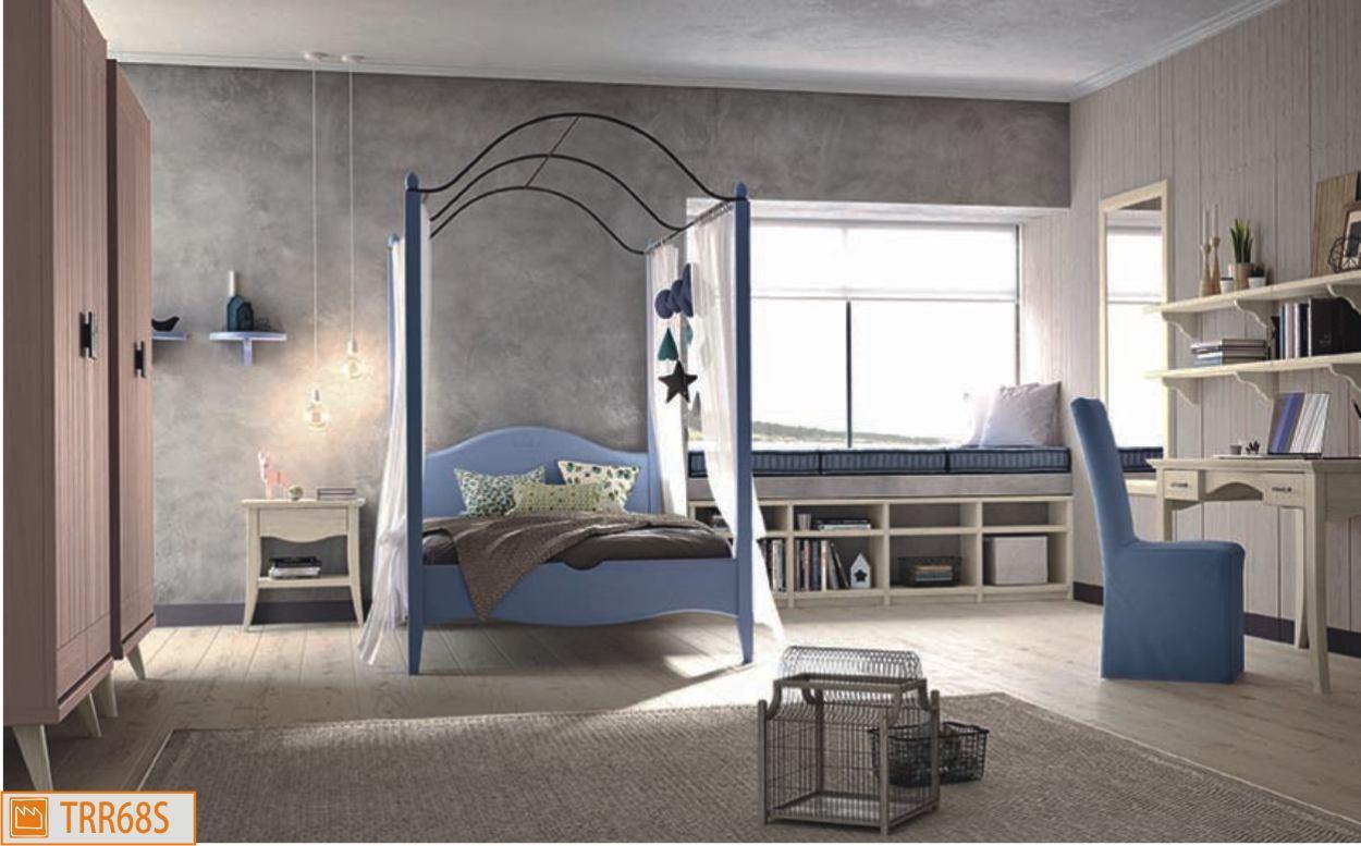 Cameretta classica con letto a baldacchino - Ikea letto a baldacchino ...