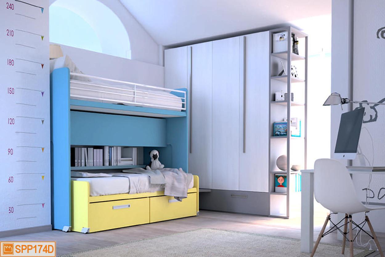 La scala tra armadio e letto