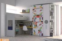 Il soppalco ad angolo con la zona studio integrata